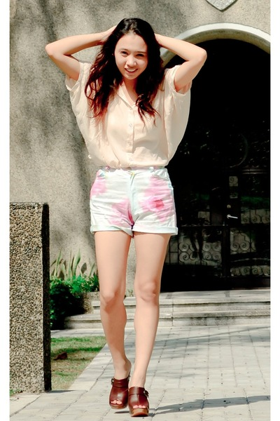 light blue landmark shorts - peach Singapore market blouse - dark brown SoFab cl