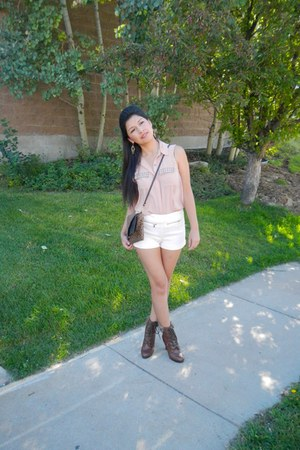 neutral Forever 21 shorts - brown boots - light pink Forever 21 t-shirt
