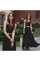 black Oasapcom dress