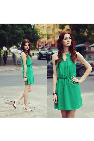 green Romwecom dress