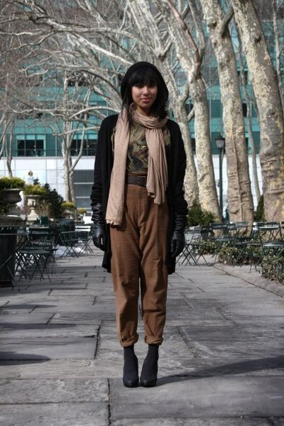 black Zara cardigan - green vintage blouse - brown Zara pants - black H&M shoes