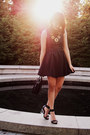 Black-h-m-dress-black-mimi-boutique-bag-gold-crossroads-necklace