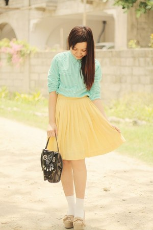 stripes blouse - pleated skirt