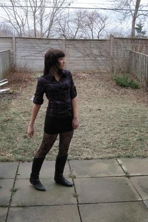 Urban Behaviour shirt - Sirens skirt - ardenes leggings - Spring boots