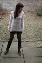 Gap sweater - Sirens skirt - Spring boots