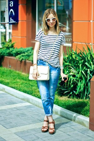 blue Zara jeans - white Bershka bag - brown H&amp;M heels - white Zara glasses