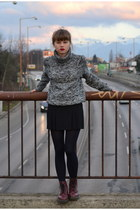 heather gray New Yorker sweater - crimson Dr Martens boots