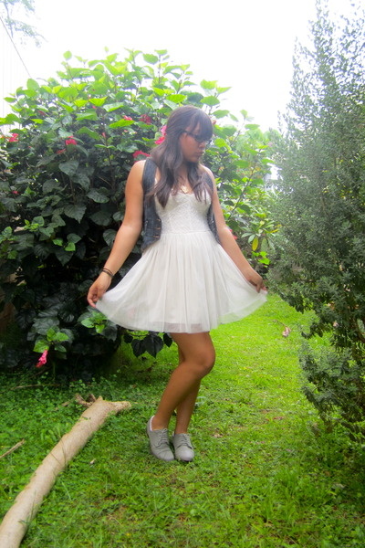 charcoal gray Forever 21 shoes - off white Forever 21 dress - blue American Rag