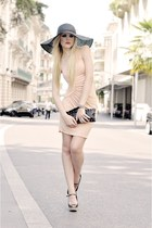 peach Michelle Jonas dress - black H&M hat - black B-low the Belt bag - black Za