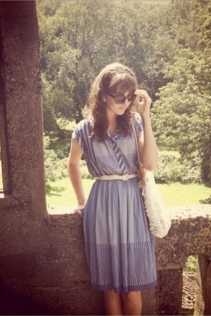 thrifted belt - Vintage Thrifted dress - Grandmas purse - H&M sunglasses