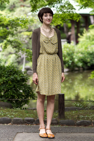 cozy boutique dress - Uniqlo cardigan - Softspots sandals