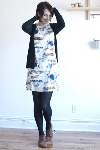 vintage dress - vintage shoes - Zara cardigan