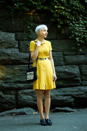 vintage shoes - vintage dress - vintage purse