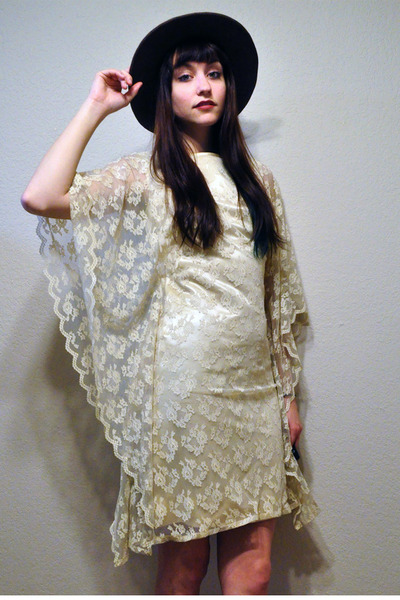 lace kimono vintage Carol Craig dress