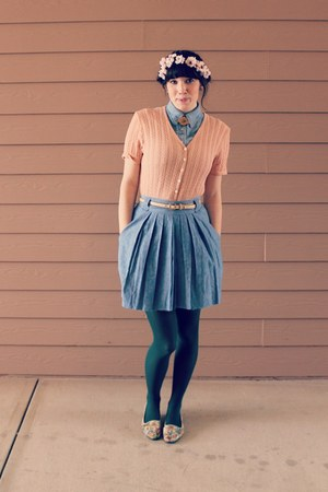 sky blue pleated denim thrifted skirt - peach thrifted sweater