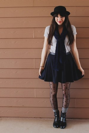 navy skater Forever 21 skirt - black leather thrifted boots
