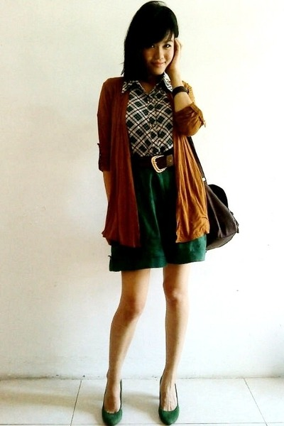 green suede Zara pumps - dark brown Newlook bag - brown random cardigan