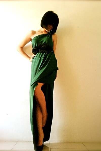 green draped jersey custom made dress - black suede Zara heels
