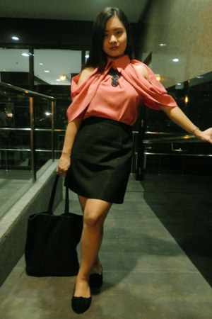 black cotton on bag - black SM Classics skirt - salmon Messy - shes hot blouse