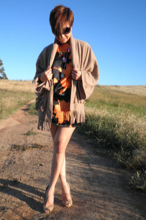 carrot orange dress - black studded belt belt - camel tassels cardigan - camel t