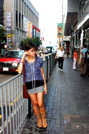 navy shirt - light brown boots - dark brown bag - heather gray skirt