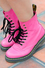 Hot-pink-leather-dr-martens-boots-white-studded-knit-topshop-top