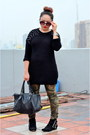 Black-suede-zara-boots-black-mango-sunglasses