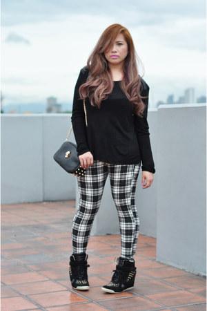 white Topshop leggings - black cotton Zara sweatshirt