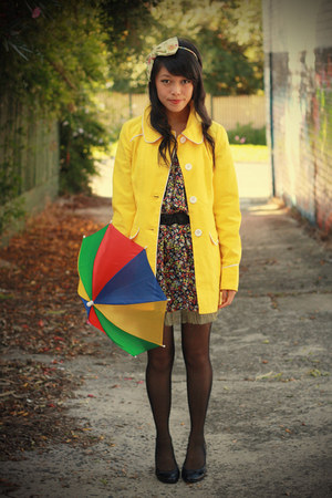 black miss patina dress - yellow yellow scallop modcloth coat
