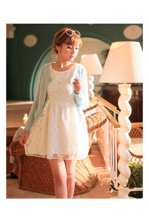 lace koees dress