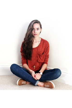 burnt orange nowIStyle shirt - blue hollister jeans - gold Koko & Beau necklace