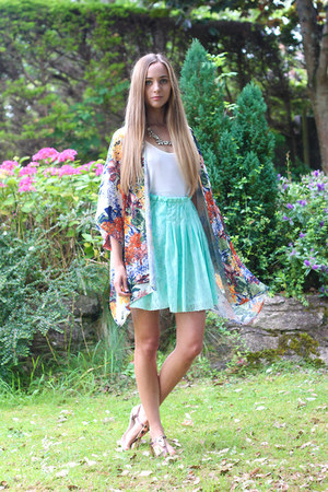Front Row Shop skirt - In Love with Fashion top