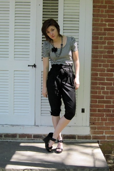black H&amp;M shirt - black Forever 21 pants - black Charlotte Russe shoes - black w
