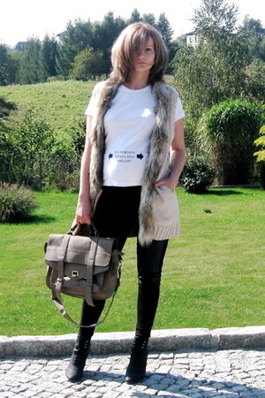 light brown Mizensa bag - black H&M leggings - white no name t-shirt