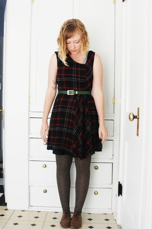 plaid Edme & Esylte dress - heather HUE tights - leather no brand belt