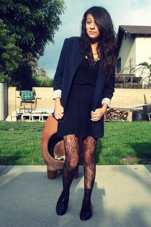 Nordstrom blazer - American Apparel dress - Steve Madden shoes - Forever 21 tigh