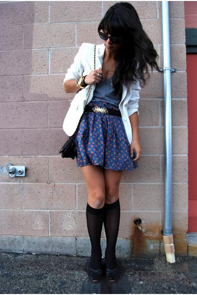 blue modcloth skirt - black peep-toe wedges Kenzie shoes - white vintage blazer