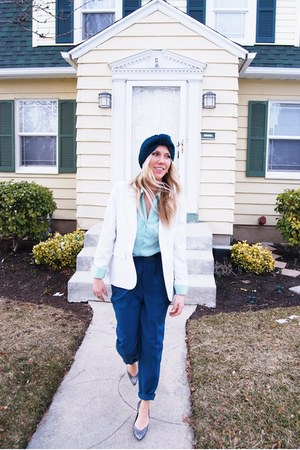 green thrifted pants - white linen Vintage Oscar De La Renta blazer