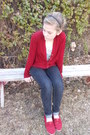 Maroon-forever-young-shoes-eggshell-ross-shirt-navy-ross-pants