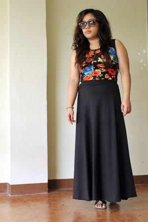 black floral dress - black jersey skirt
