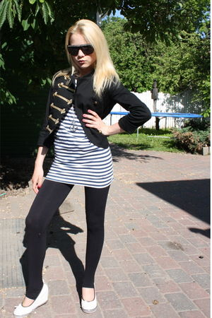 white shoes - black leggings - pull&amp;bear blouse - black H&amp;M blazer - silver BikB