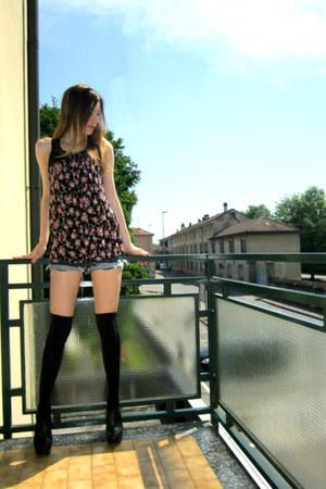 black Calzedonia socks - gray Boosley shorts - black Zara heels