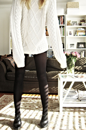 vintage sweater - aa shorts - H&M tights - H&M shoes