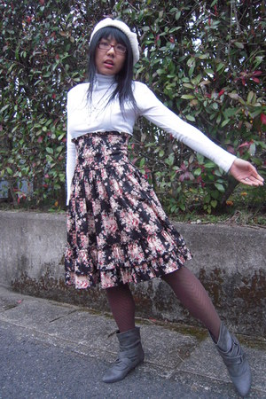gray Forever 21 boots - white Uniqlo shirt - gray HUE tights - Bodyline skirt