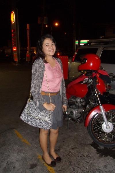 heather gray skirt - red shirt