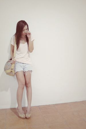 pink tiangge shirt - blue shorts - pink fabmanila bag - beige shoes