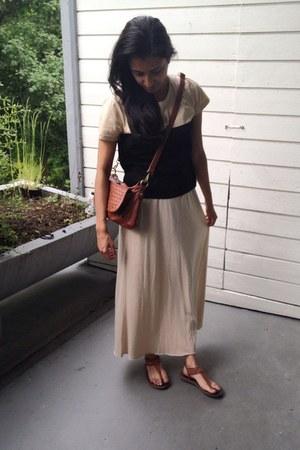 brown unknown bag - brown unknown sandals - beige maxi jersey GINA TRICOT skirt