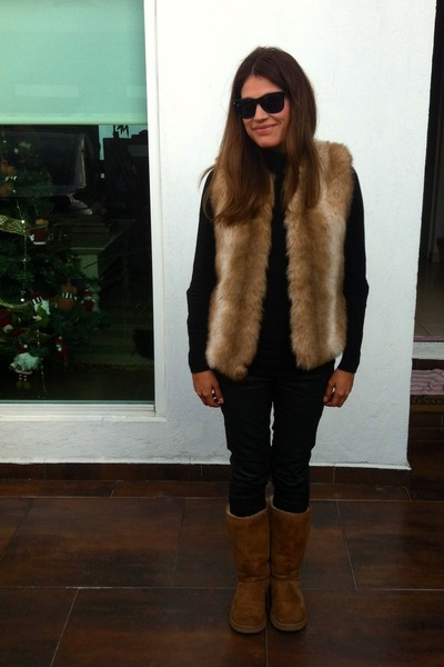 Black Faux Leather Zara Jeans Brown Ugg Boots | u0026quot;Todayu0026#39;s outfitu0026quot; by lalacoco | Chictopia