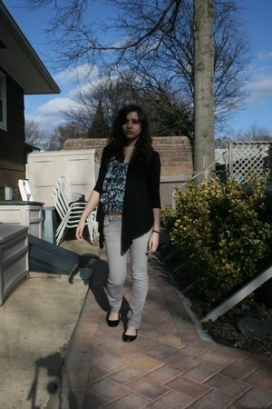 f21 sweater - H&M blouse - PacSun jeans - H&M shoes - H&M jacket