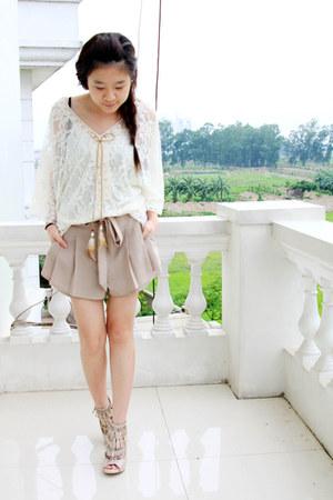 camel Luvlicious shorts - ivory Luvlicious top - eggshell Aldo heels